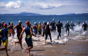 triatlon, running into water